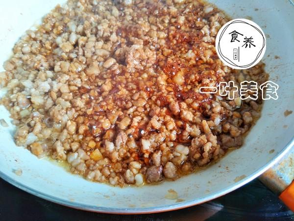 榨菜肉末蒸米粉的简单做法