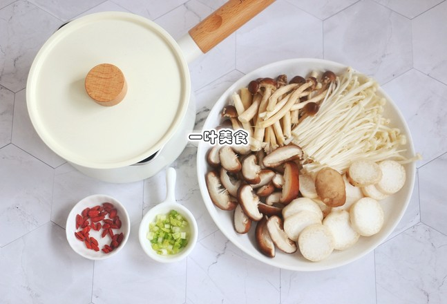 枸杞杂菇汤的做法大全
