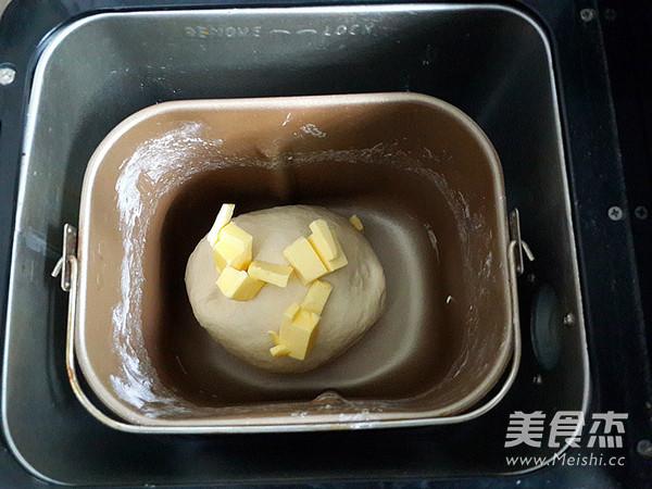 椰蓉卷餐包怎么吃