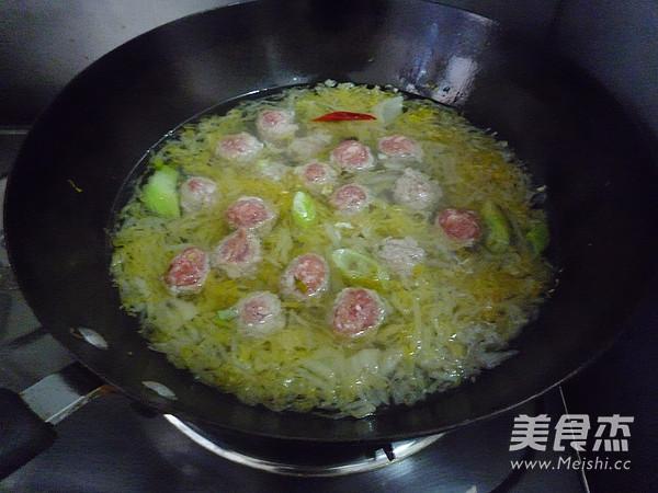 酸菜粉丝丸子怎样煮