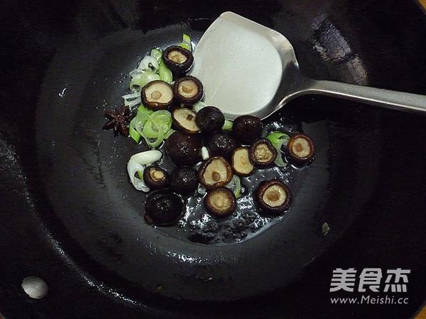 香菇冻豆腐烧鹌鹑蛋怎么吃