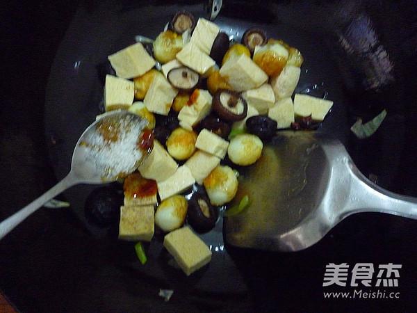 香菇冻豆腐烧鹌鹑蛋怎么炖