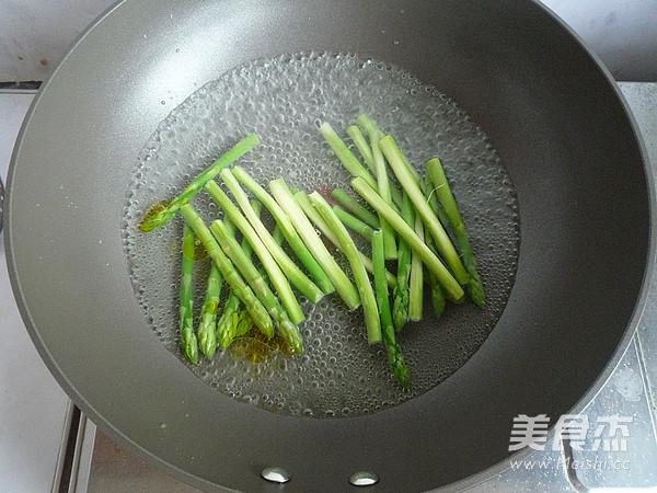 油淋芦笋怎么吃