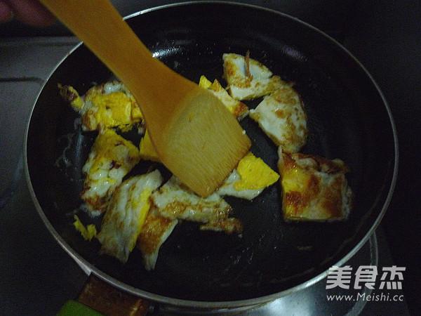豆豉杭椒炒荷包蛋的简单做法