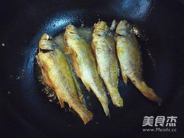 家熬小黄鱼的简单做法