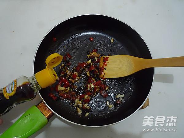 腊肉蒸腐竹怎么做