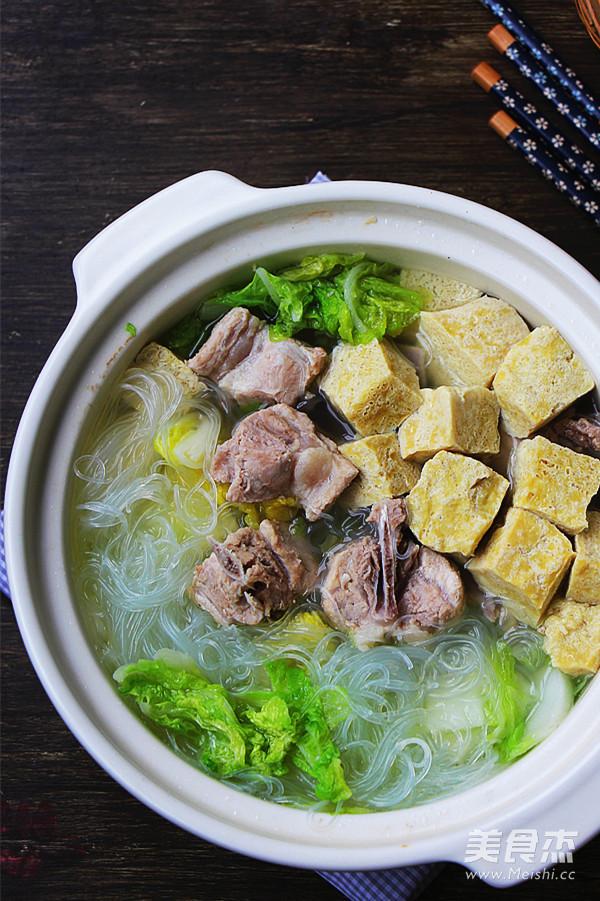 砂锅白菜冻豆腐成品图