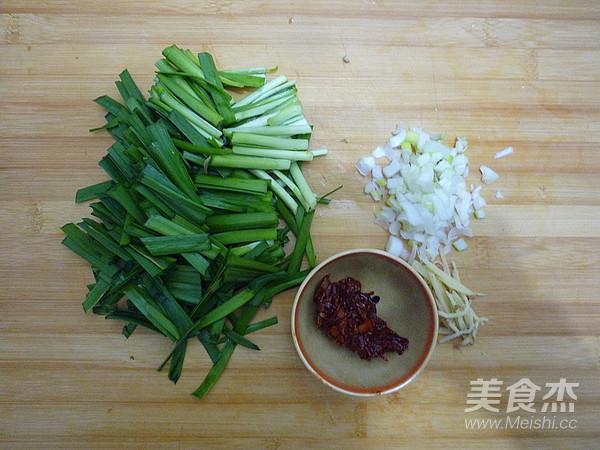 韭菜炒粉条的家常做法
