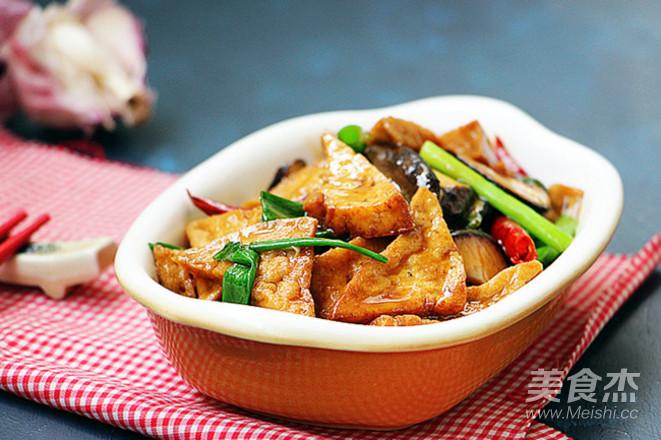 香菇烧豆腐角成品图