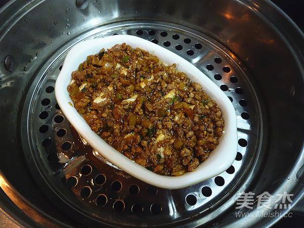 榨菜肉末蒸豆腐怎么煸