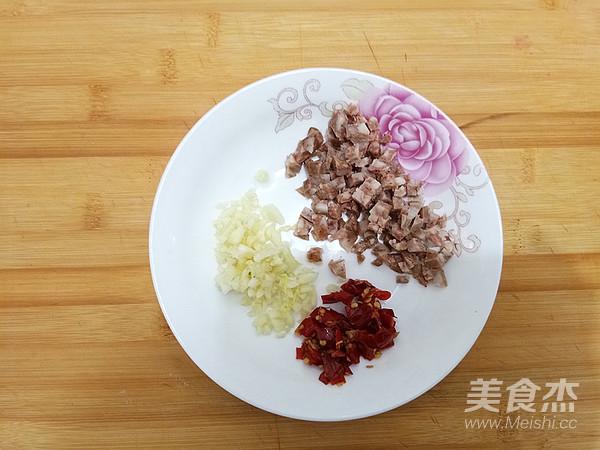 腊肠粉丝蒸娃娃菜的简单做法