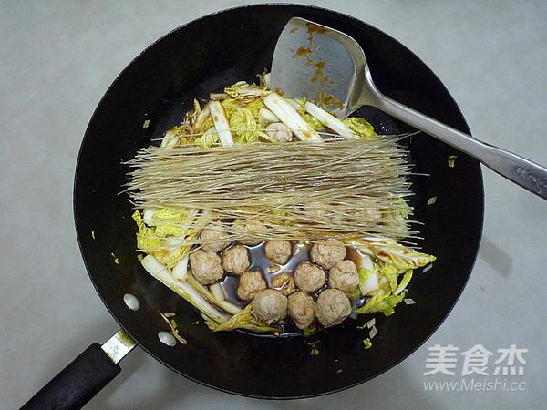 白菜丸子炖粉丝怎么炒