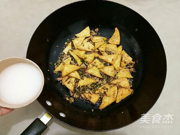 酸豆角烧豆腐怎样煸