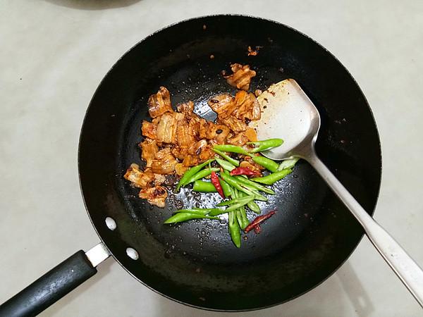 五花肉炒土豆片怎么炒