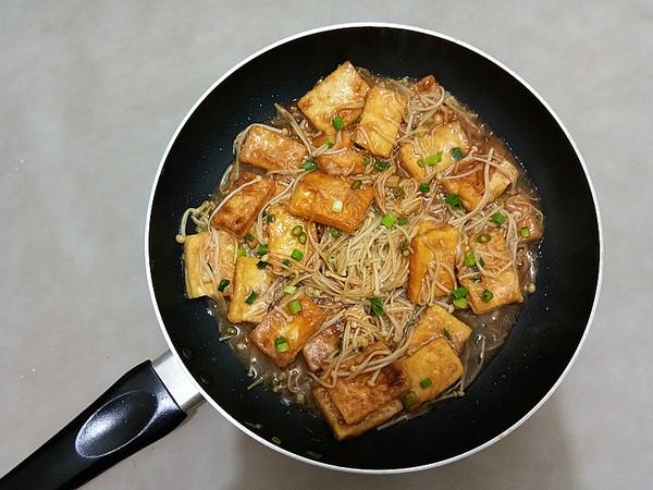 金针菇烧豆腐怎么煸