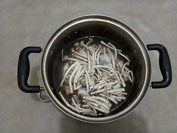 培根黑胡椒炒乌冬面的简单做法