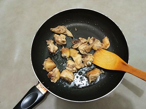 蜜汁板栗鸡的家常做法