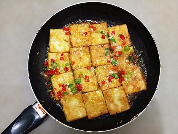 浇汁煎焖豆腐怎么煸