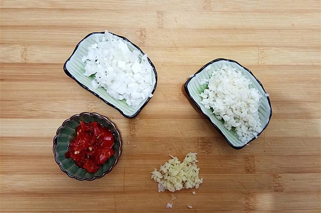 鱼香虾球茄子的简单做法