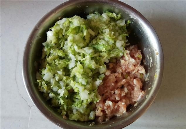 白菜猪肉水饺的简单做法