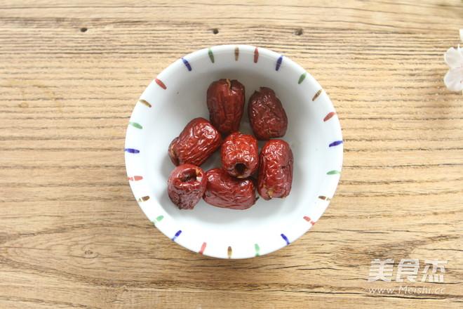 红枣桂圆枸杞红糖水的家常做法
