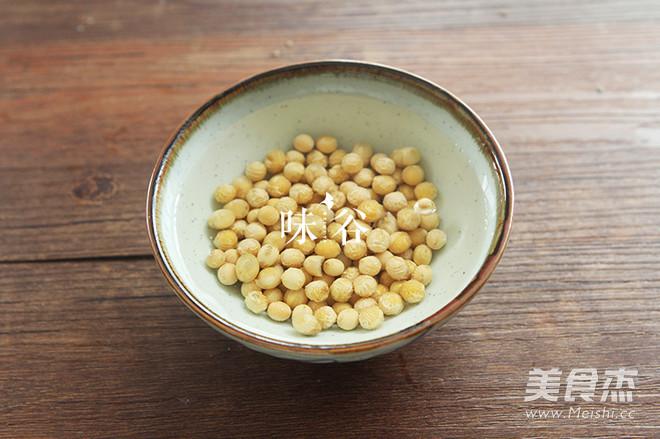 凉瓜黄豆排骨汤的家常做法