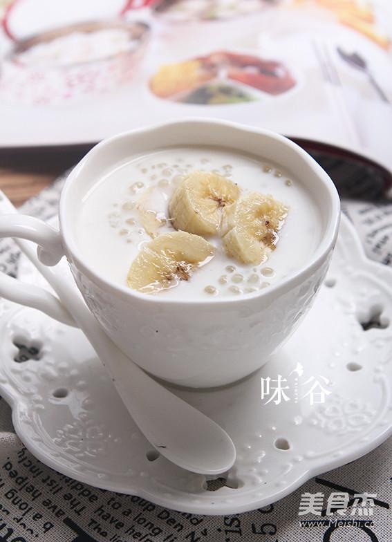 香蕉牛奶西米露成品图