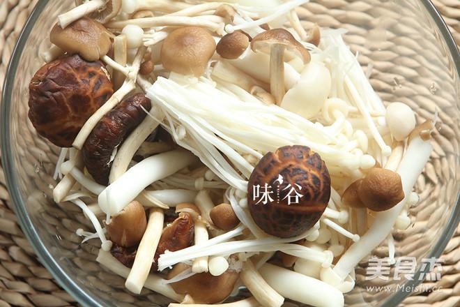 棒骨菌菇汤的简单做法
