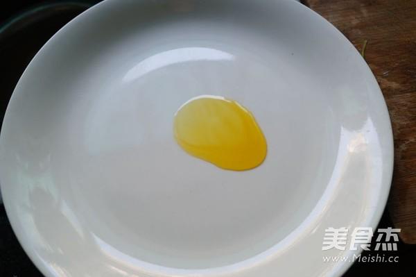 荸荠蒸鸡蛋肉饼怎么吃