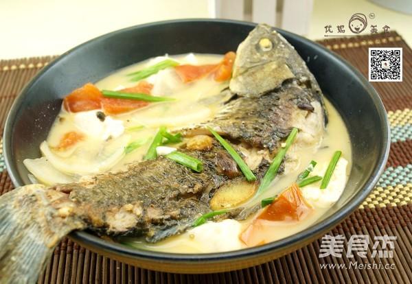 豆腐鲫鱼汤成品图