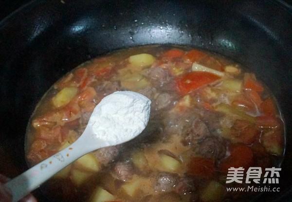 番茄土豆炖牛肉怎样煸