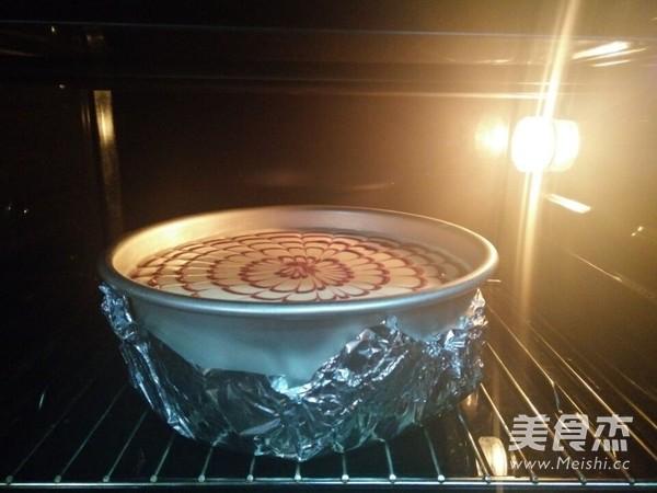 拉花轻乳酪蛋糕的制作