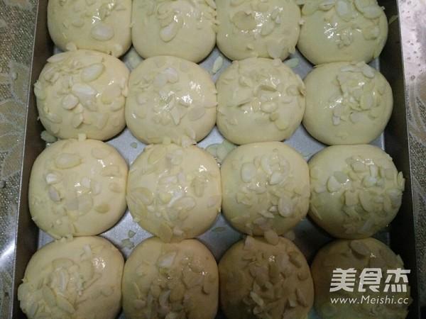 一次性发酵淡奶油小餐包的步骤