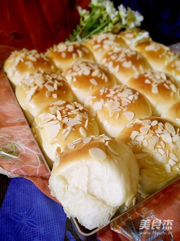 一次性发酵淡奶油小餐包成品图