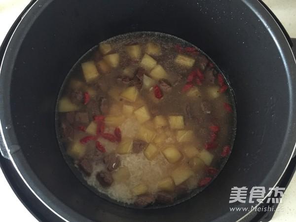 土豆牛肉焖饭怎么炒