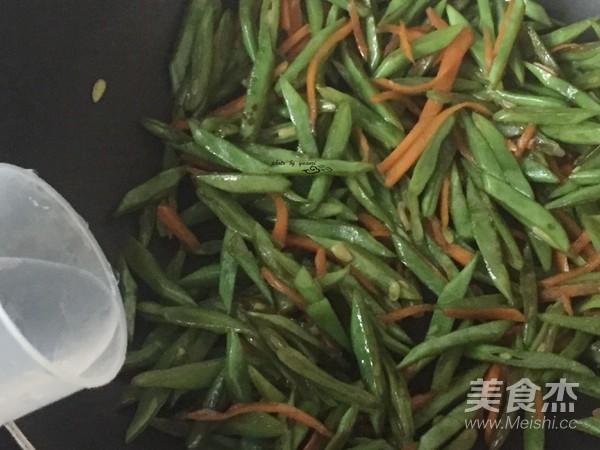 胡萝卜炒刀豆怎么炖
