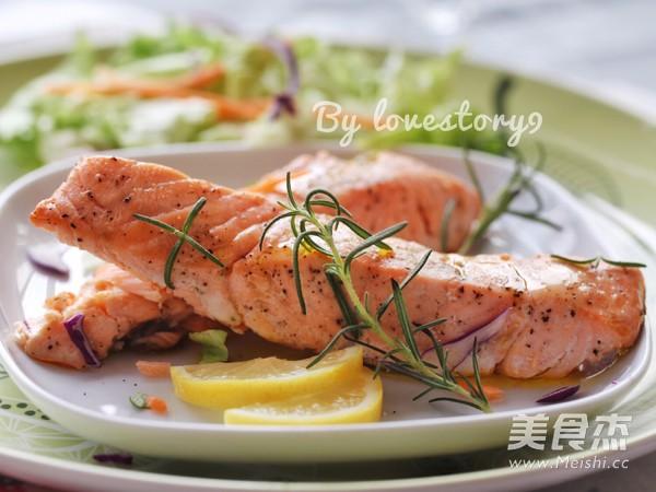 迷迭香煎三文鱼怎么煮
