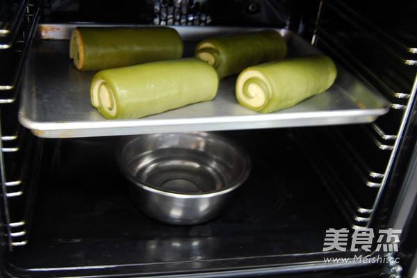 抹茶戚风面包卷的简单做法