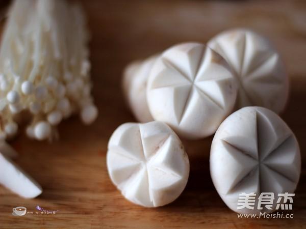 浓香菌菇火锅的简单做法