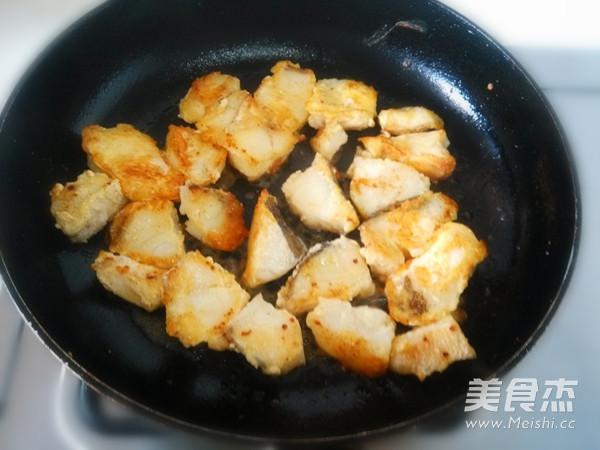鳕鱼炖豆腐怎么炒