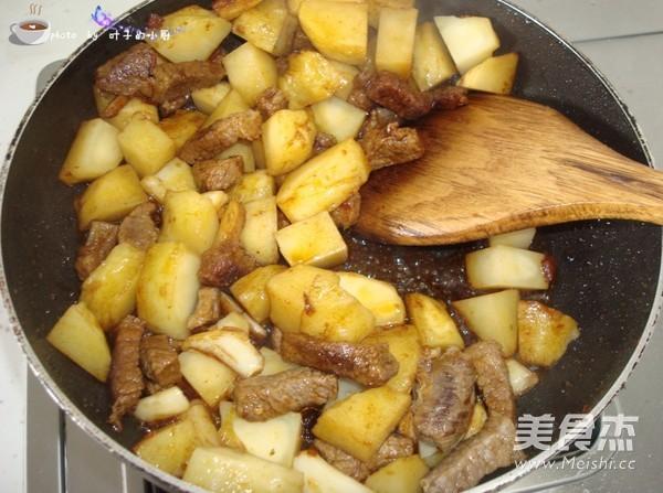 土豆炖牛肉怎么炖