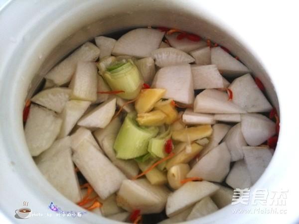 白萝卜炖土鸡的简单做法