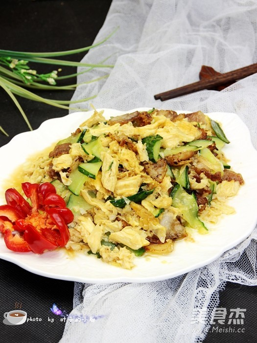 腐竹黄瓜炒五花肉怎样做