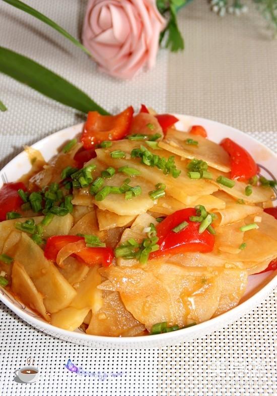 炒土豆片怎么煸