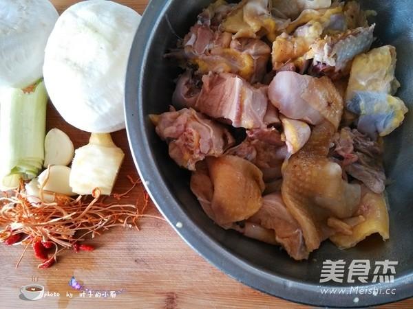 白萝卜炖土鸡的做法大全