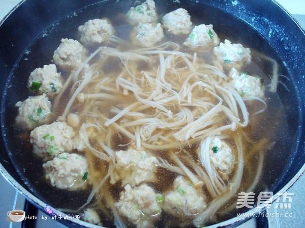 金针菇肉丸汤怎么炒