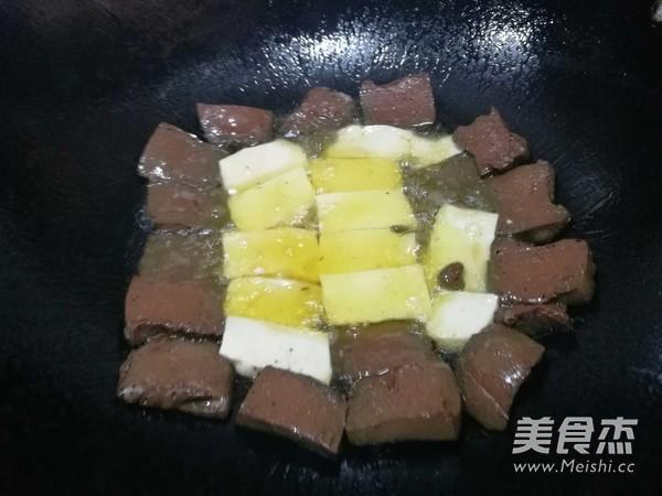 猪血豆腐怎么吃