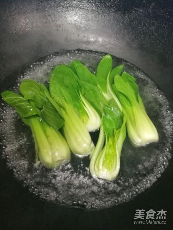 广式腊肠砂锅煲仔饭怎么煮