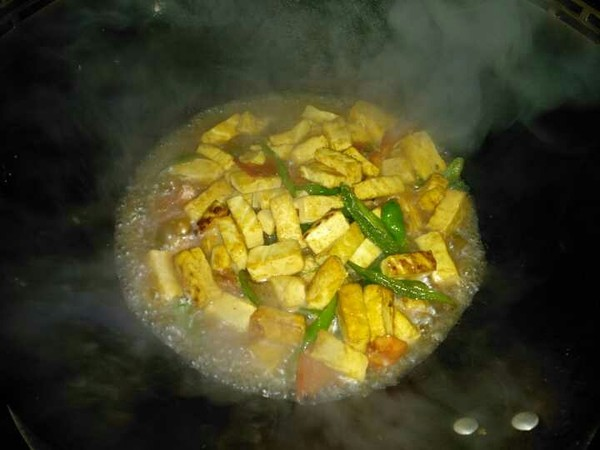 辣椒炒豆腐的简单做法
