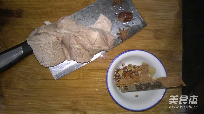 老坛酸菜卤肉面的做法大全